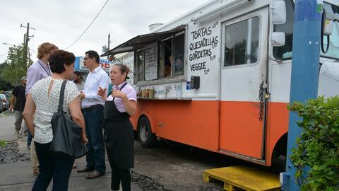 La idea del 'taco truck' salió de las palabras del fundador de L...