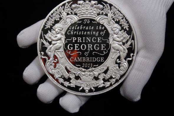 La moneda del bautizo del prinicpe George fue acuñada en Gales, el princ...