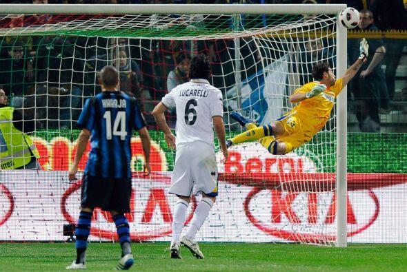 Pocas llegadas del equipo dirigido por Leonardo, Inter. Muy poco mostr&o...