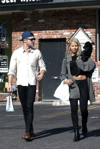 Zac Efron es otro que ha sorprendido con su reciente relación, el guapo...