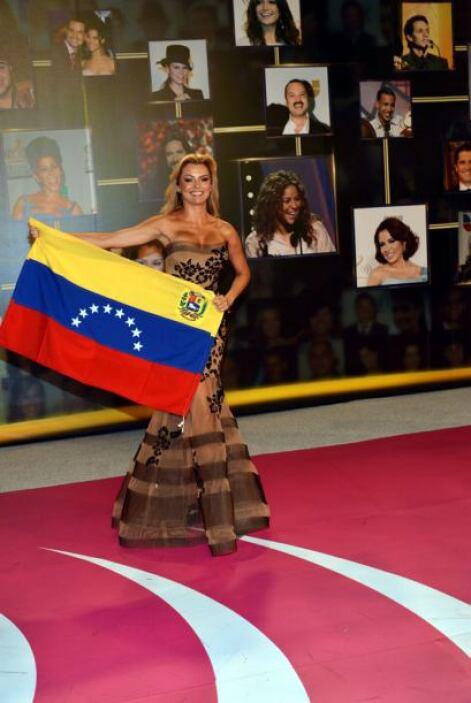 En la gala de Premio Lo Nuestro también se vieron las banderas de Venezu...
