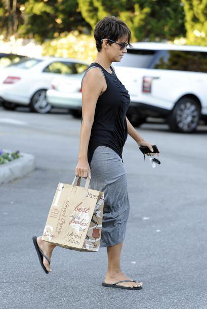 Hace algunos días encontramos a la actriz haciendo las compras, s...