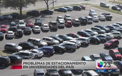 Falta de estacionamiento en universidades