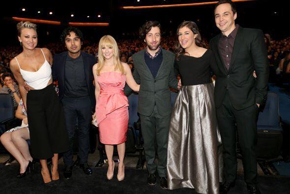 Todo el elenco de 'The Big Bang Theory' en el público.