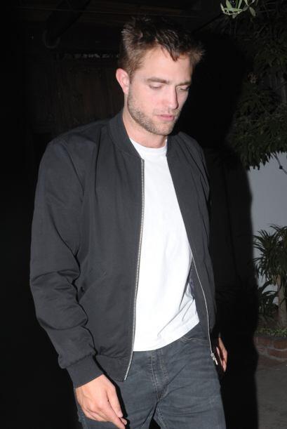 """El galán de la saga de """"Twilight"""" salió de un bar en Los Angeles tras un..."""