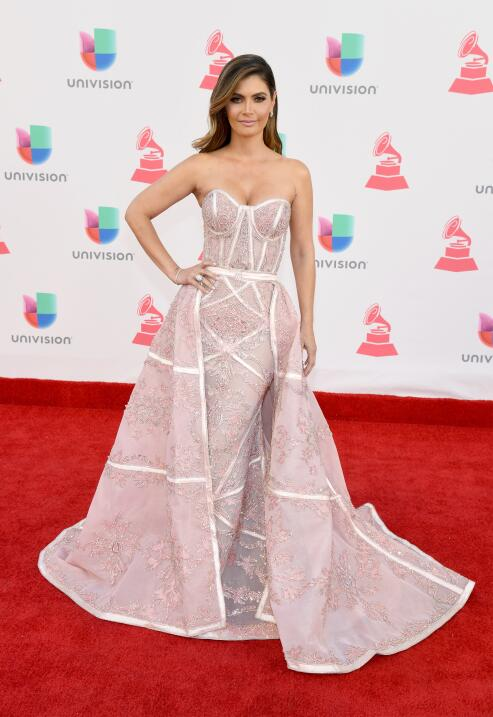 15 famosas que llevaron vestidos memorables en los Latin GRAMMY  GettyIm...