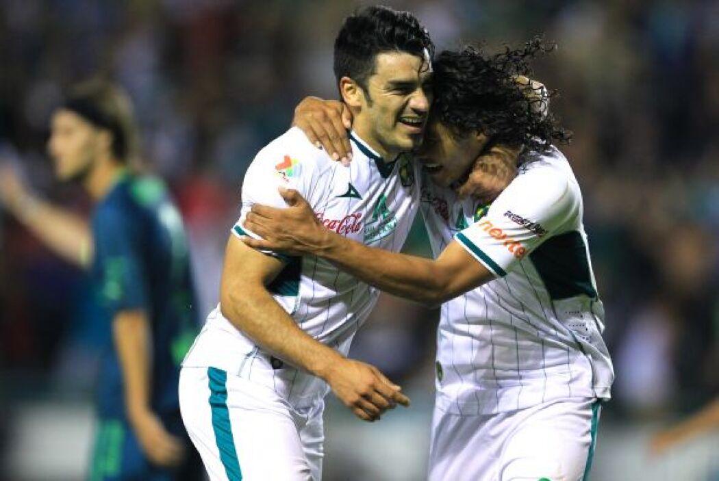 León fue local y se llevó la victoria por 3-0 con goles de González, Maz...