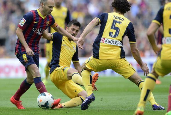 Los intentos del Barcelona se perdían en la nada.
