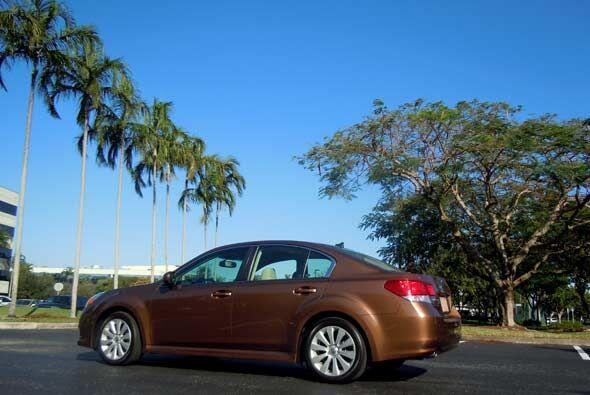 El Subaru Legacy fue rediseñado por completo el año pasado...