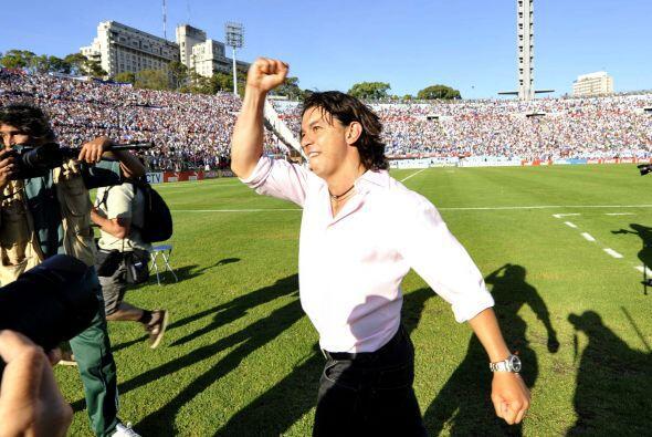 Marcelo 'el muñeco' Gallardo dejó la ropa de jugador y se puso la de téc...