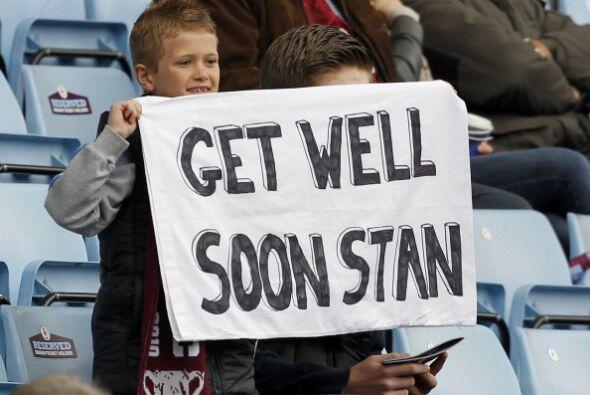 El capitán del Aston Villa anunció su retiro del fú...