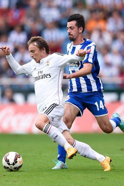 Luka Modric movió al conjunto blanco en el mediocampo donde no fa...