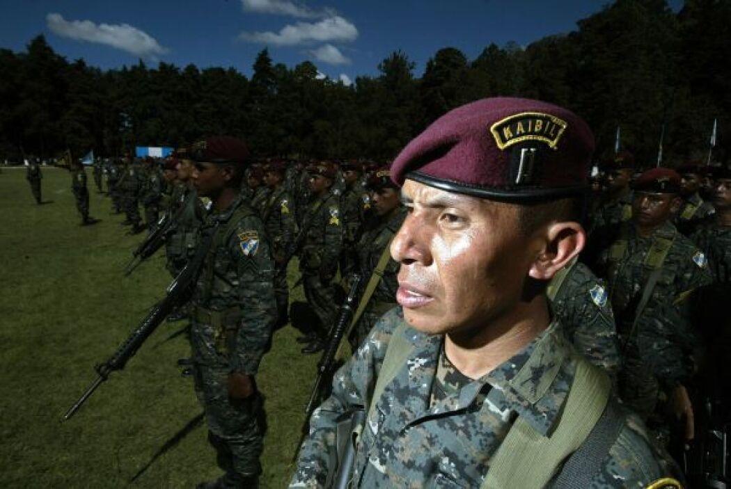 Los Zetas, según los documentos de la PGR, se mueven en una formación a...