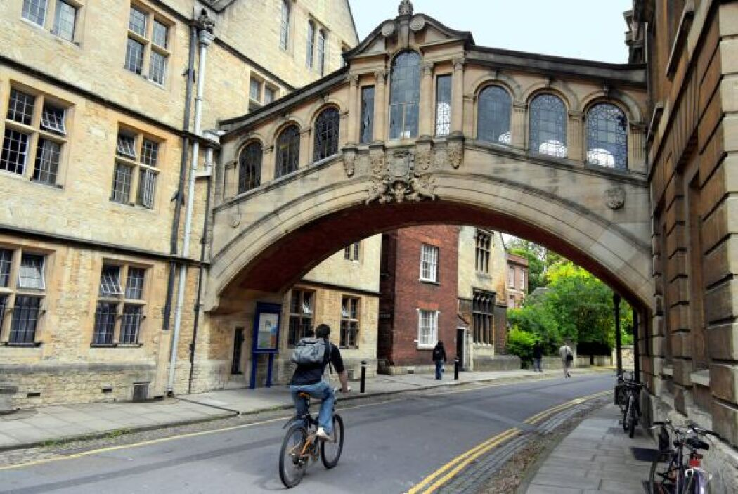 4 - UNIVERSIDAD DE OXFORD, INGLATERRA