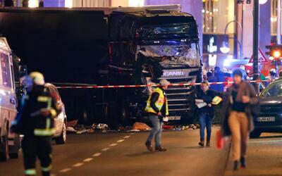 En video: al menos 9 personas murieron luego de que un camión embistió a...