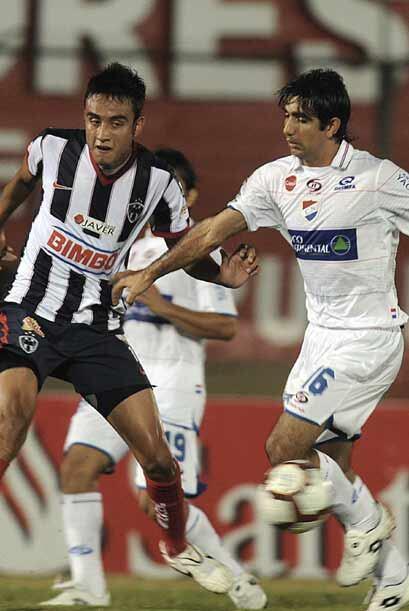 En tanto en Paraguay, Monterrey enfrentó al otro Nacional, el gua...