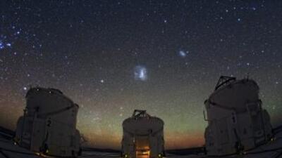 Imagen del Observatorio Europe Austral en el desierto de Atacama en Chil...