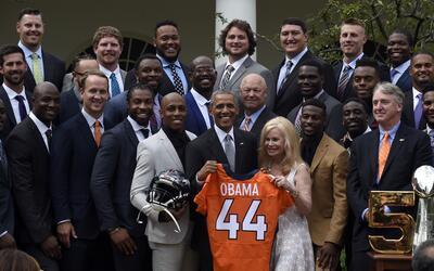 El Presidente Barack Obama recibió en la Casa Blanca a los Denver Broncos