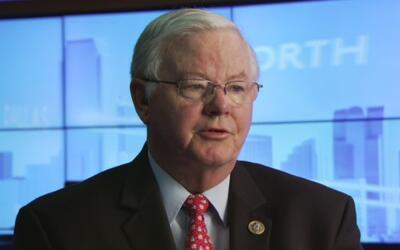 Congresista Joe Barton dice que deben descartarse las deportaciones masivas