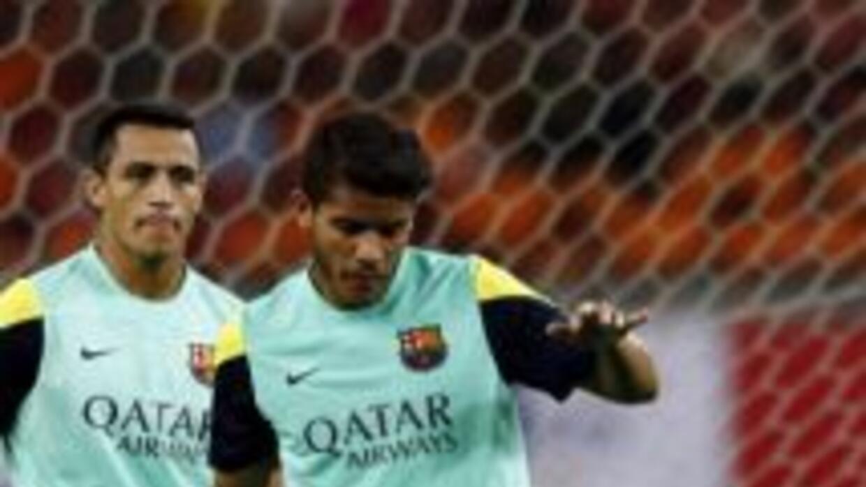 Los jugadores de Barcelona reconocieron la manera en que Jonathan Dos Sa...