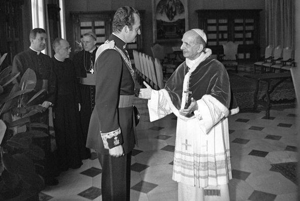 El Papa Pablo VI y el rey Juan Carlos durante la entrevista que mantuvie...