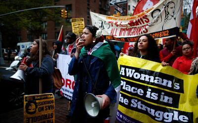 Manifestantes en un mitin del 1ro de mayo, o May Day, en Nueva York.