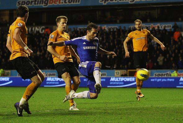 Chelsea se volcó al frente con la necesidad de un gol en escasos...