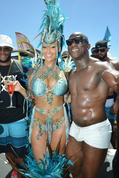 Algunos afortunados lograron tomarse una foto con la famosa stripper.