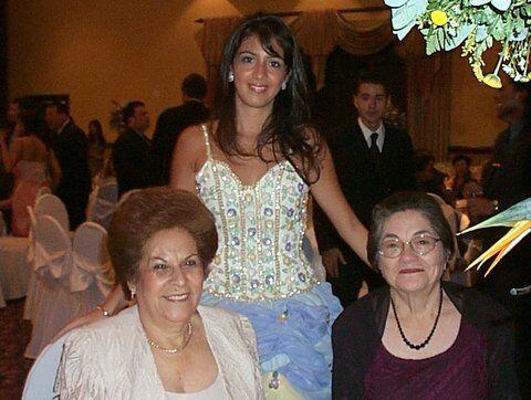Por fortuna las dos abuelas de Maity y sus dos abuelos aún est&aa...