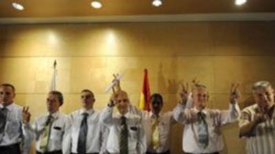 Siete ex reos políticos cubanos llegaron a España 27310d5b112348138ce4de...