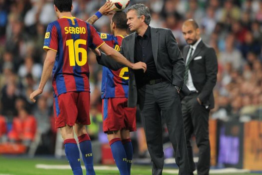 Para el siguiente año, Mourinho fue contratado por el Real Madrid y en c...