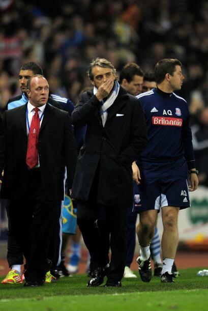 Finalmente el partido terminó 1 a 1 y Mancini se retiró co...