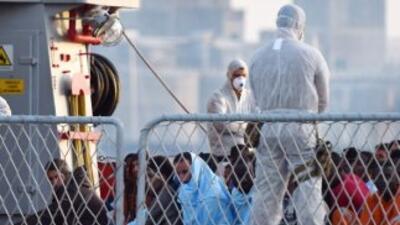 Italia confirma la muerte de 30 inmigrantes a bordo de un barco en el qu...