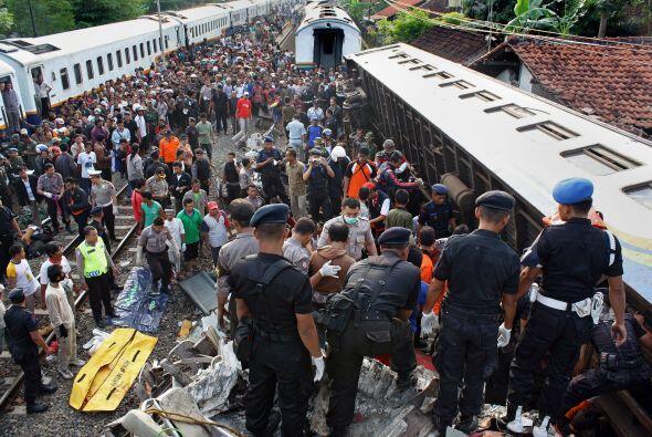 2 de octubre: Fallecen al menos 36 personas y 40 resultan heridas al col...