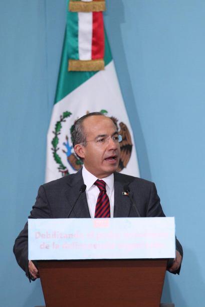 """El presidente de México Felipe Calderón llamó """"bestias"""" a los autores de..."""