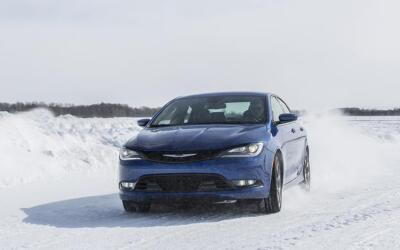 ¡Congeladas! Las ventas del Chrysler 200 han registrado una caída del 63...