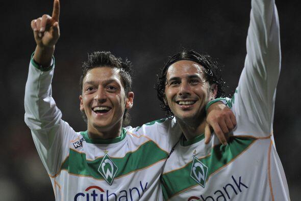 También compartió equipo con otras figuras como el peruano...