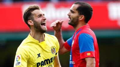 Villarreal golea y suma 13 fechas sin caer