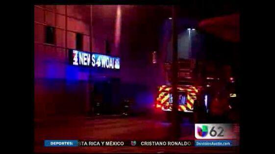 Las oficinas del canal 4 de Austin se convirtieron en noticia en pleno n...