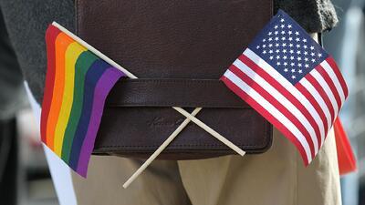 """Protestas en Indiana contra ley """"discriminatoria contra gays"""""""