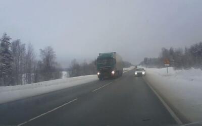 El videito: los reflejos de un conductor lo salvan de un accidente fatal