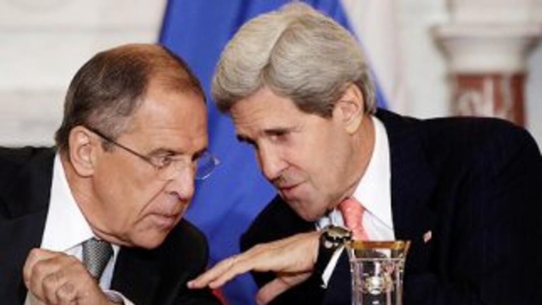 El Ministro de Relaciones Exteriores de Rusia, Serguéi Lavrov, dialoga c...
