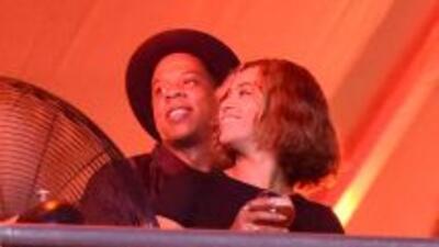 Beyoncé y Jay Z no pararon de abrazarse durante el encuentro musical.