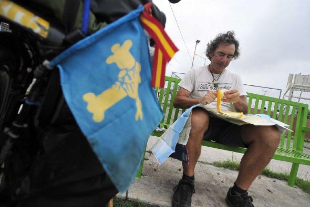 Álvaro Neil salió de Oviedo (España) el 19 de noviembre de 2004 para rec...