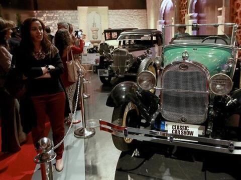 Vista de un un modelo de Ford Classic 1928 que se exhibe durante la inau...