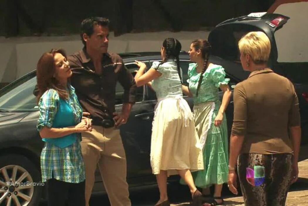 Isadora no daba crédito a lo que sucedía pero Daniel y Camila no le dier...