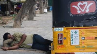 La ola de calor se extiende por varias semanas en varias regiones de Ind...