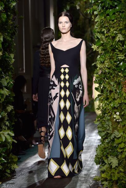 Los diseñadores Maria Grazia Chiuri y Pierpaolo Piccioli presentaron en...