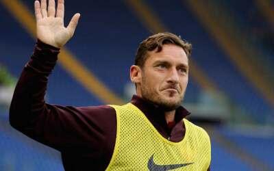 Totti, lesionado en el muslo derecho