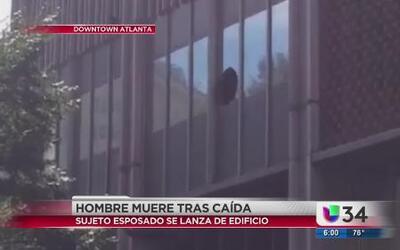 Muere tras aventarse de un tercer piso